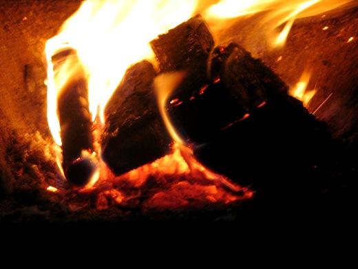 oheň v peci